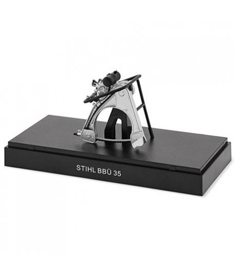 STIHL Historyczny model pilarki łańcuchowej Typ BBÜ