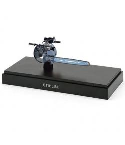 Stihl - Historyczny model pilarki łańcuchowej Typ BL -  Historyczny model pilarki łańcuchowej Typ BL | lazik-sklep.pl